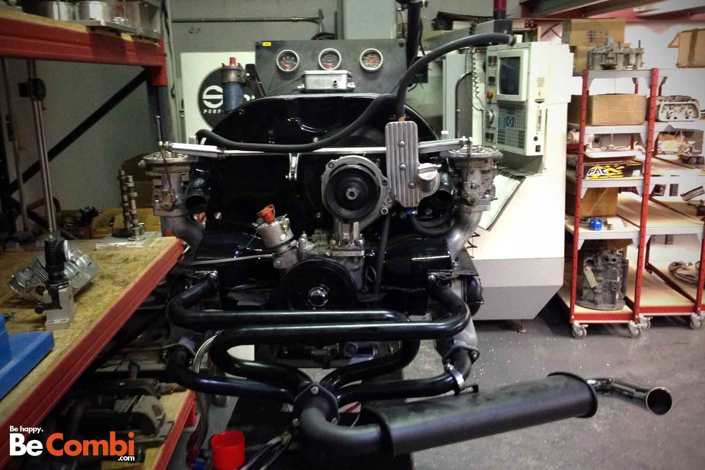 moteur_flat_four_sur_banc