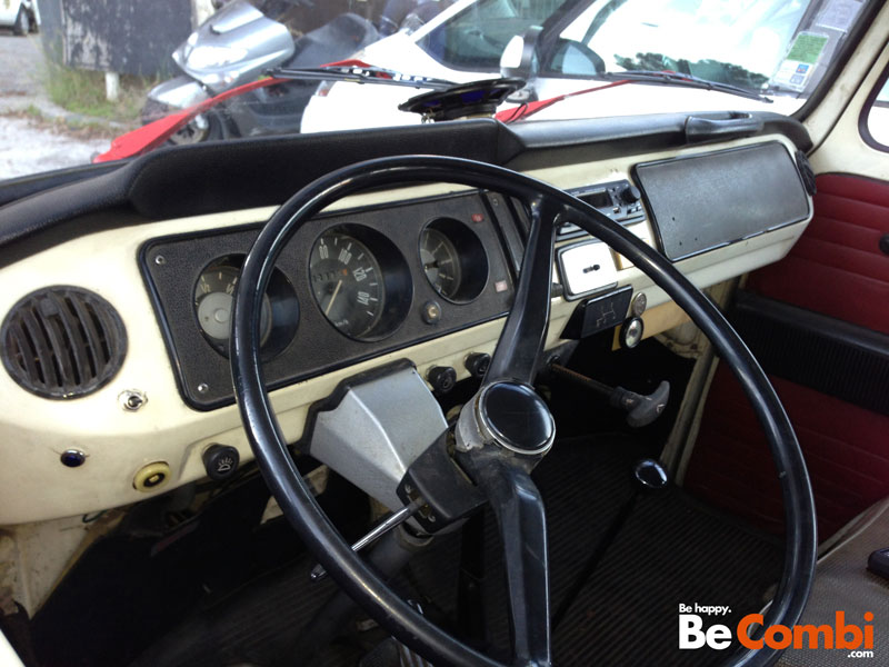 Le VW Combi T2A 1968 de YOG