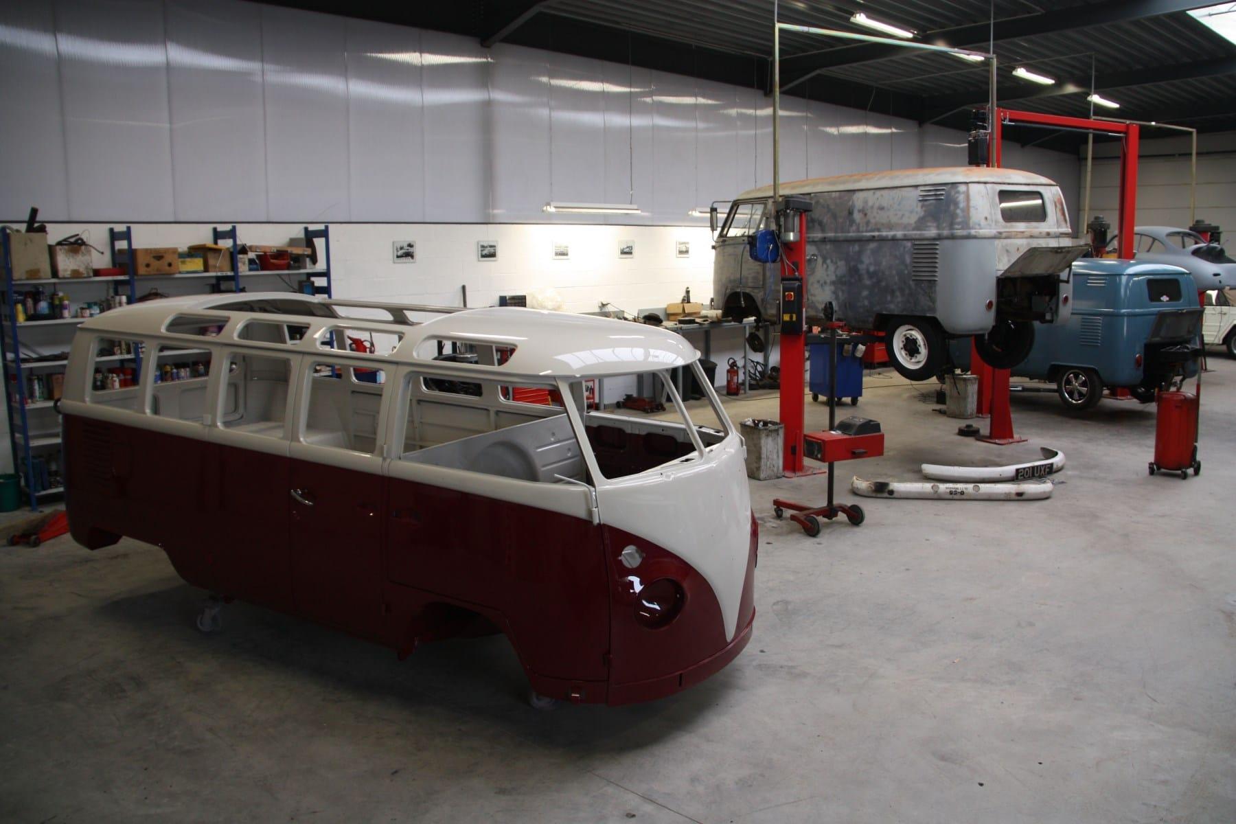 PAT Restoration Bus 21 fenêtres | Be Combi