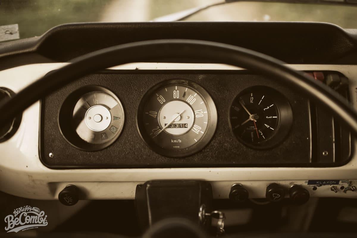 Happy VW Combi 1968   BeCombi