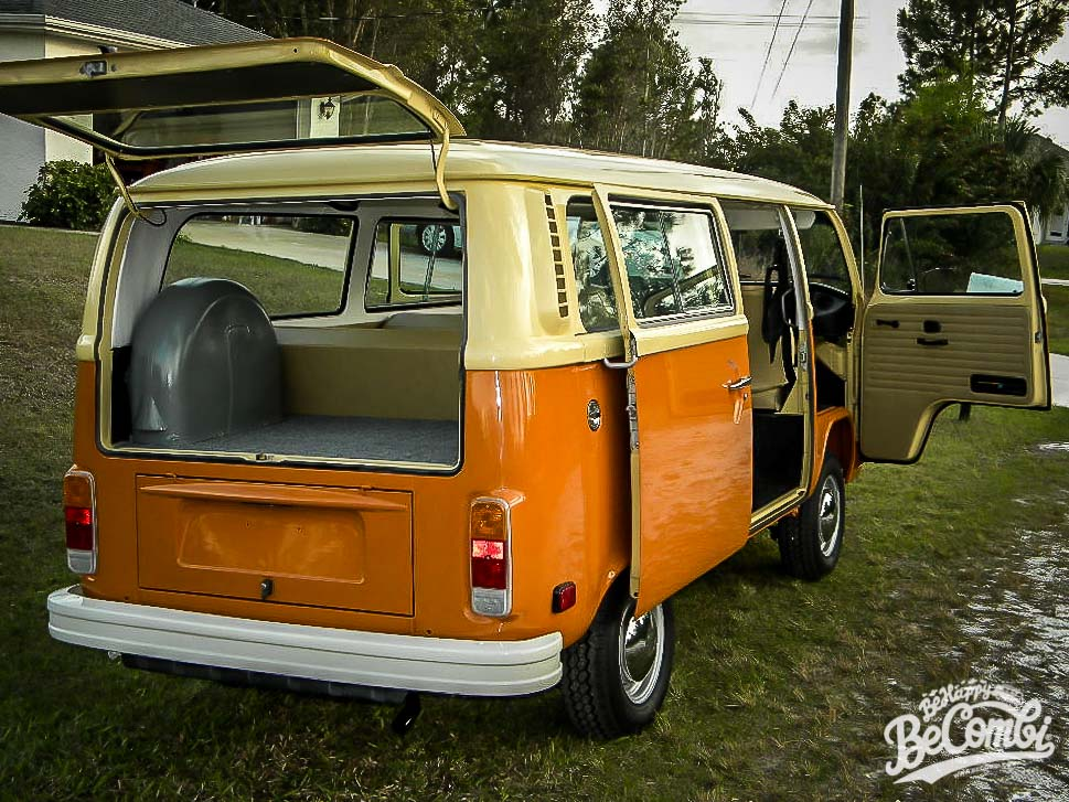 VW Combi Panama Brown et Dakota Beige | Be Combi