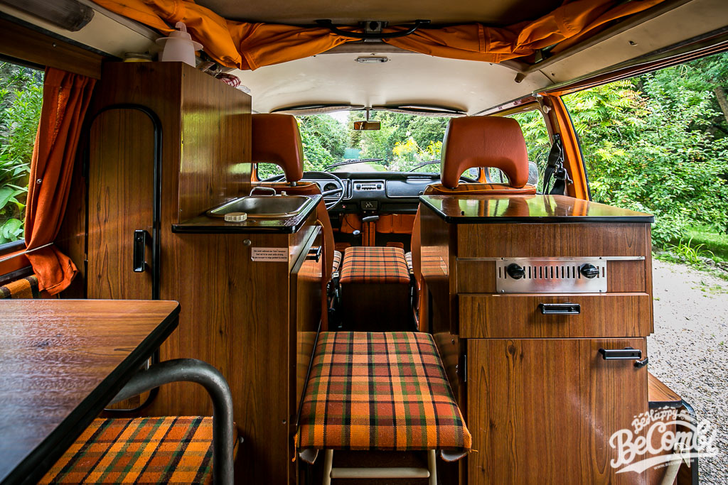 a l 39 int rieur de notre combi westfalia 1975 be combi. Black Bedroom Furniture Sets. Home Design Ideas