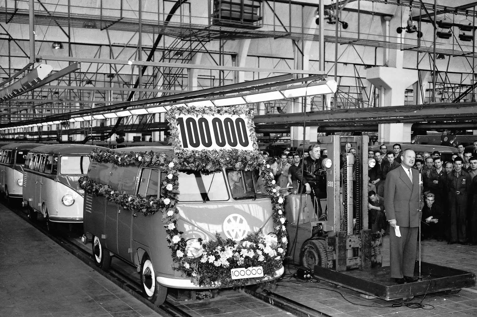 Usine VW de Wolfsburg en 1950 | BeCombi