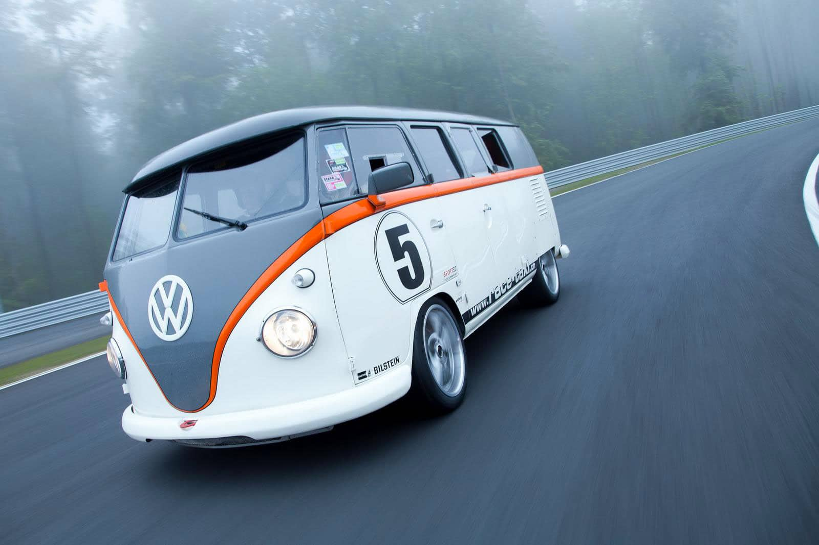 t1 race taxi un vw combi de 530 chevaux be combi. Black Bedroom Furniture Sets. Home Design Ideas