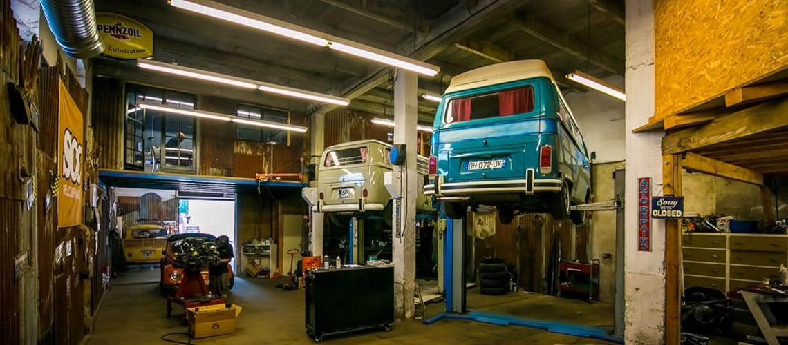 Vintage autohaus un garage pas comme les autres be combi for Louer garage mecanique