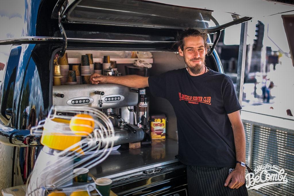 Mikael et son Vintage Café au Super VW Festival 2015 | BeCombi