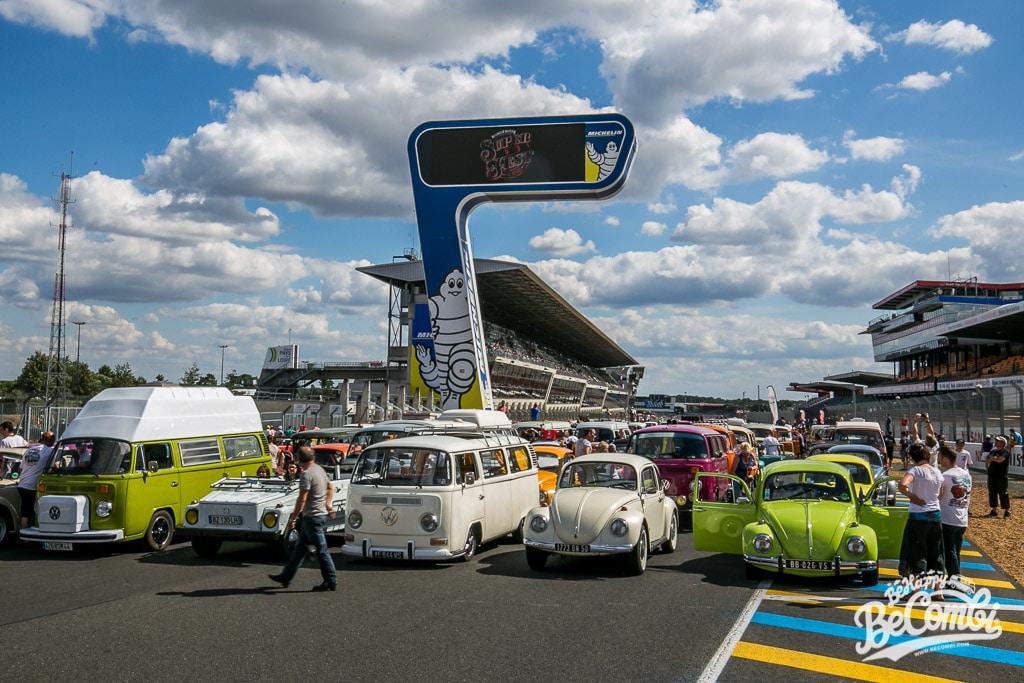 Parade des VW Aircooled sur le Circuit du Mans | BeCombi