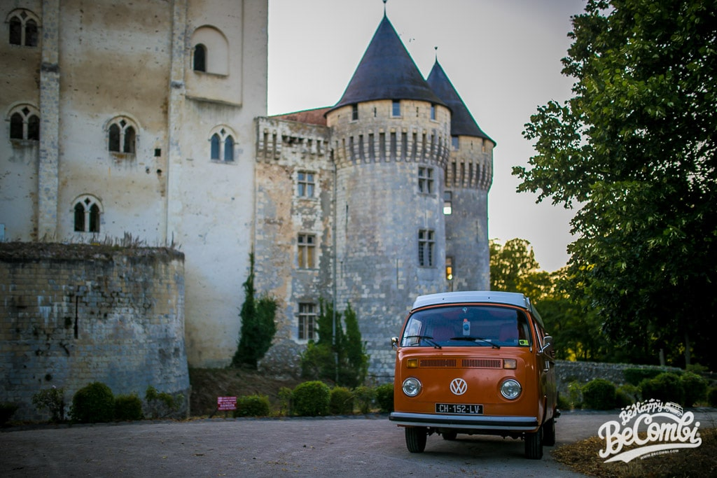 Pause au Château de Nogent-Le-Retrou de retour du Super VW Festival | BeCombi