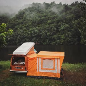 Rainy day vwtype2 becombi vanlife westfalia westfalia correze