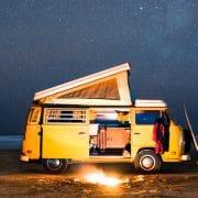 James Barkman Photographe au van jaune BeCombi Une 1