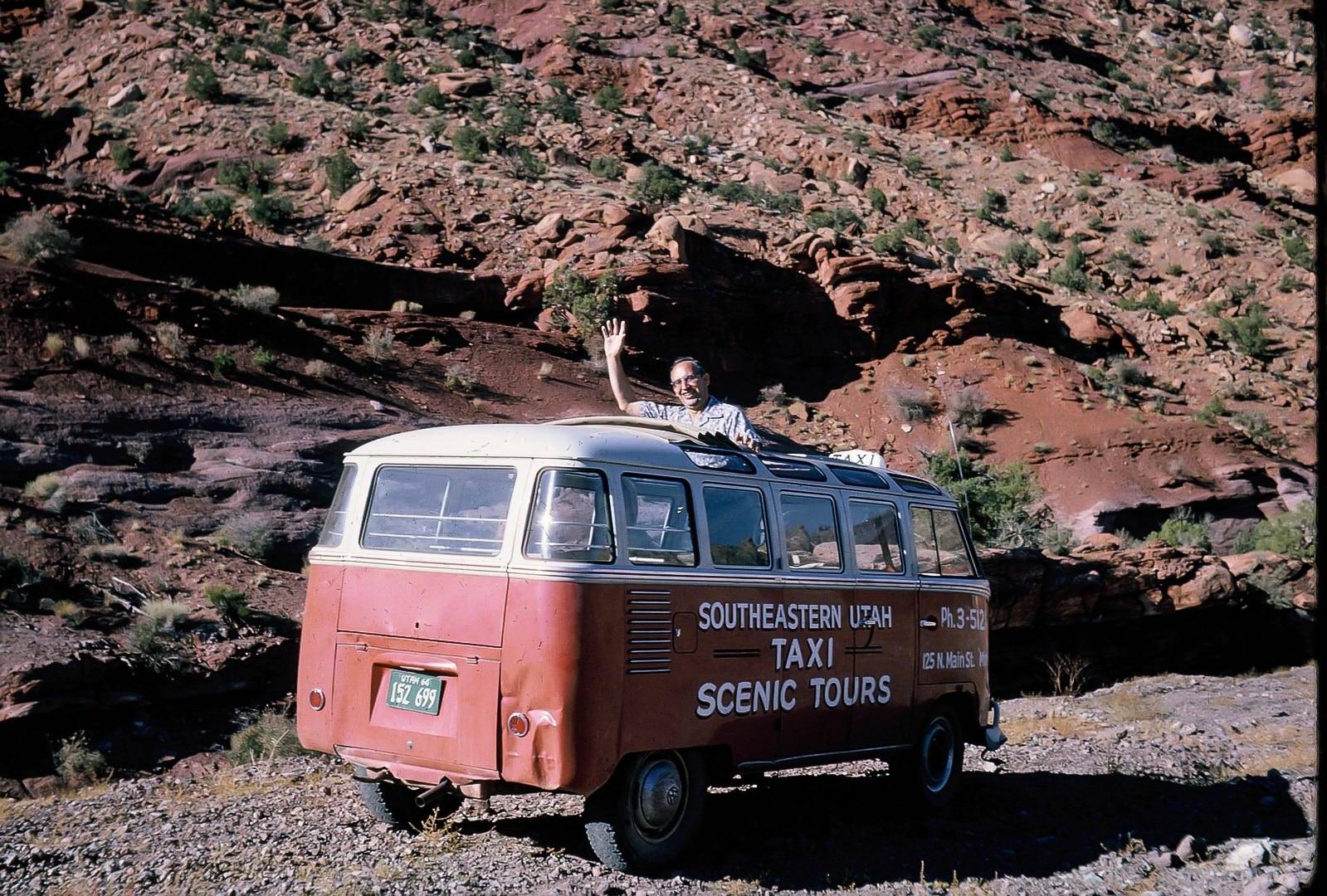 Lin Ottinger Canyon Land Scenic Tour VW Bus - BeCombi - Une-10