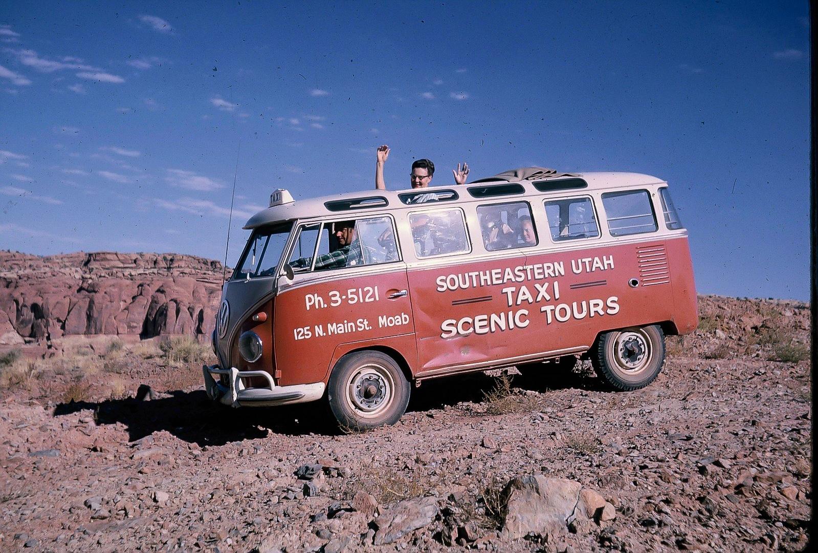 Lin Ottinger Canyon Land Scenic Tour VW Bus - BeCombi - Une-18
