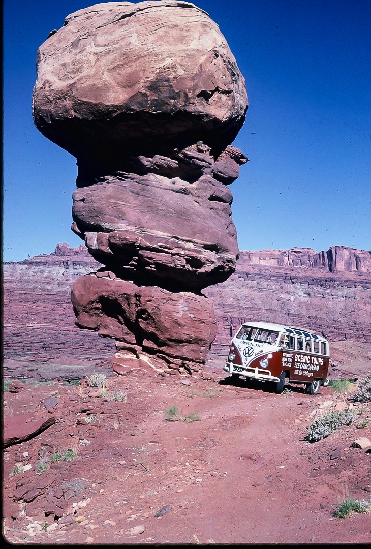 Lin Ottinger Canyon Land Scenic Tour VW Bus - BeCombi - Une-24