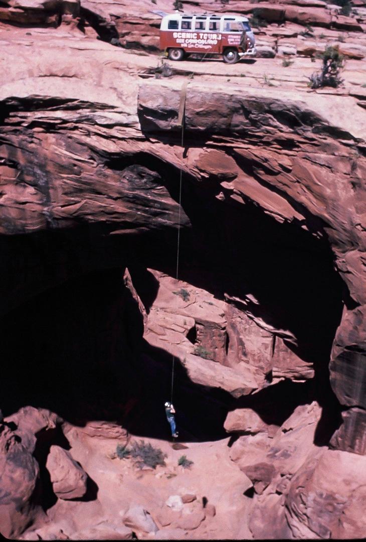 Lin Ottinger Canyon Land Scenic Tour VW Bus - BeCombi - Une-28