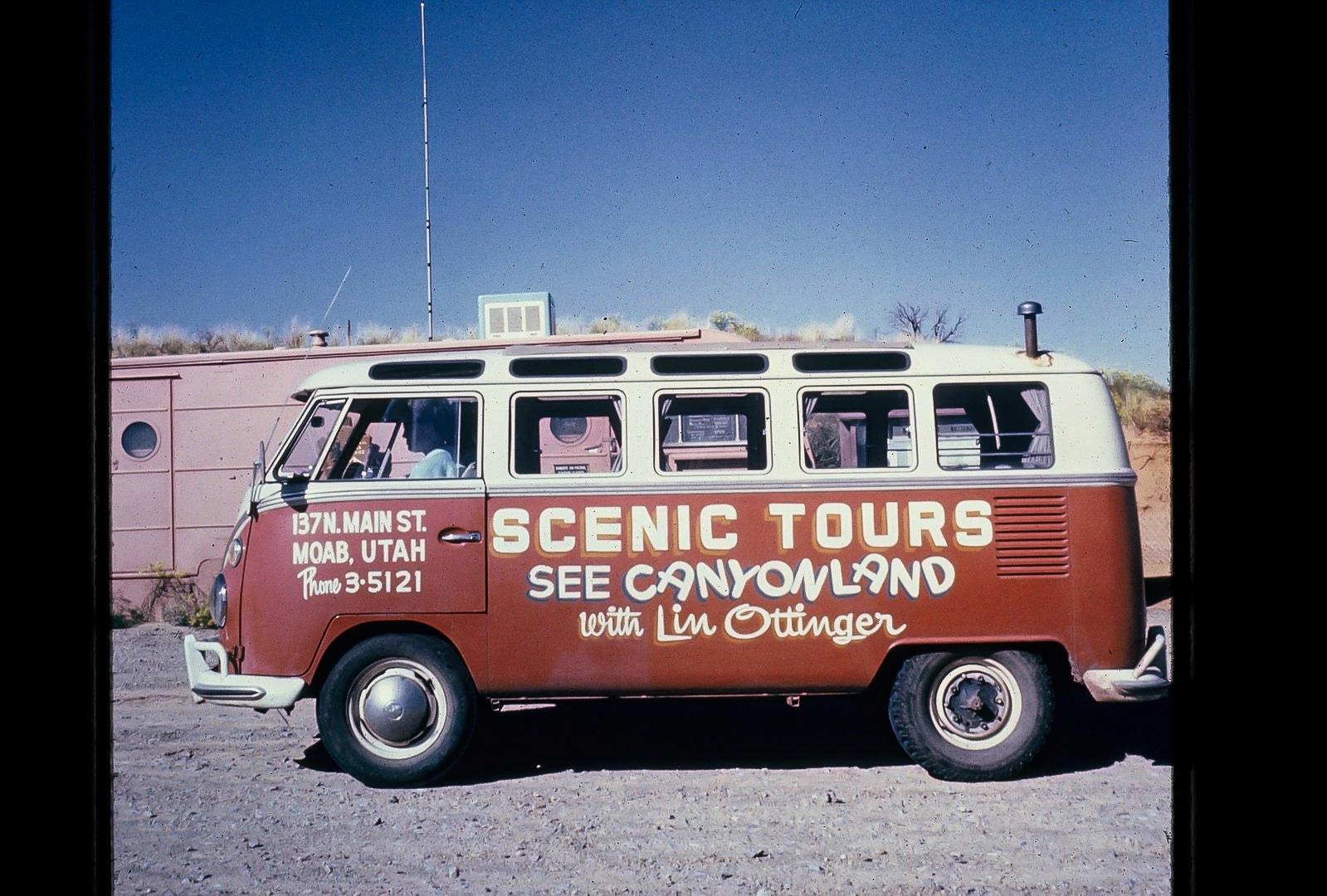 Lin Ottinger Canyon Land Scenic Tour VW Bus - BeCombi - Une-3