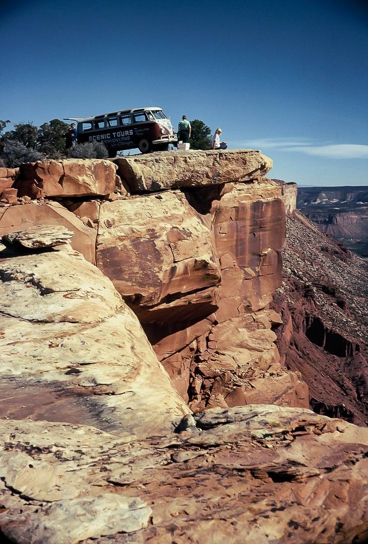 Lin Ottinger Canyon Land Scenic Tour VW Bus - BeCombi - Une-32