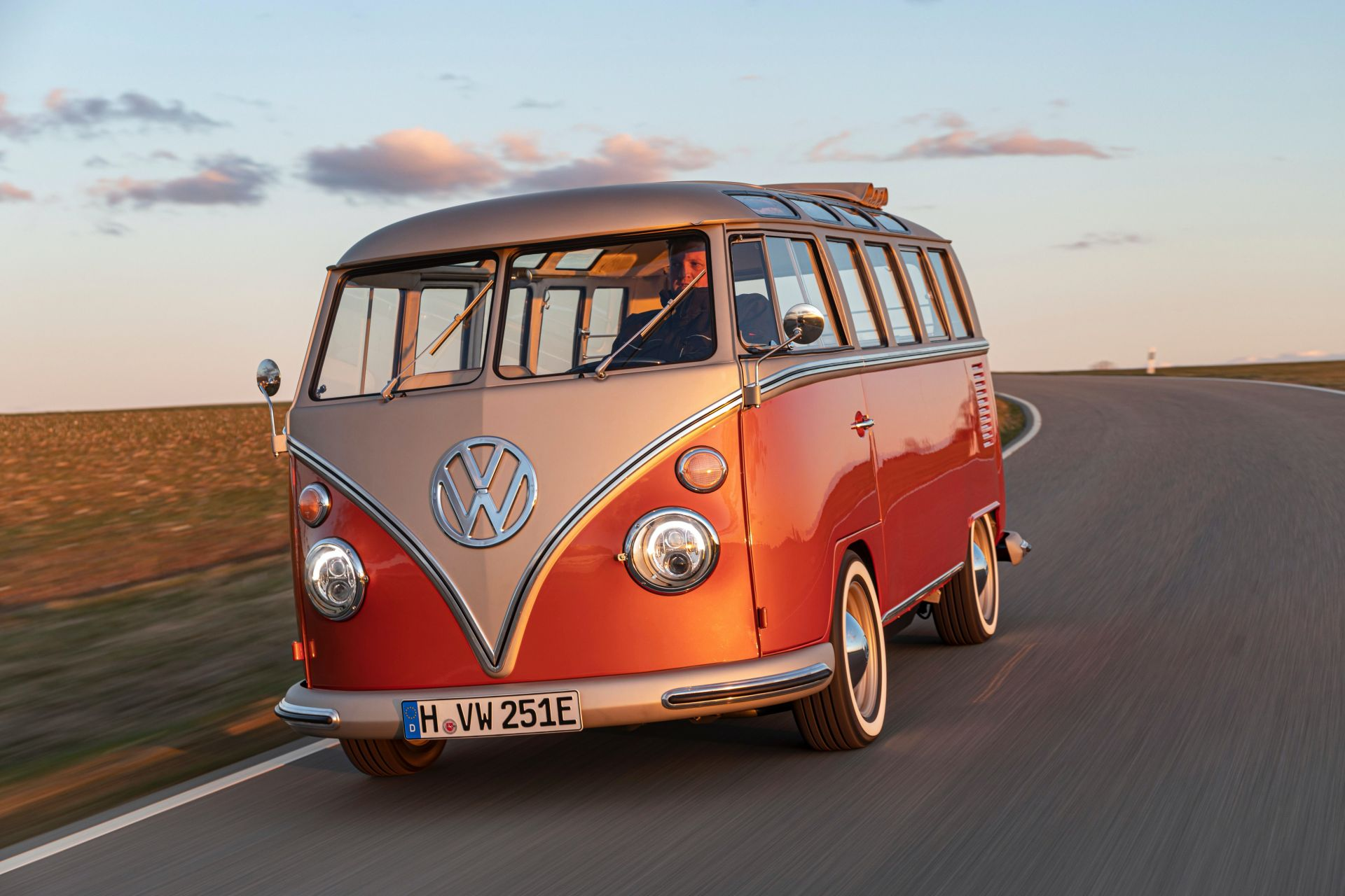 VW e-Bulli Concept 2020